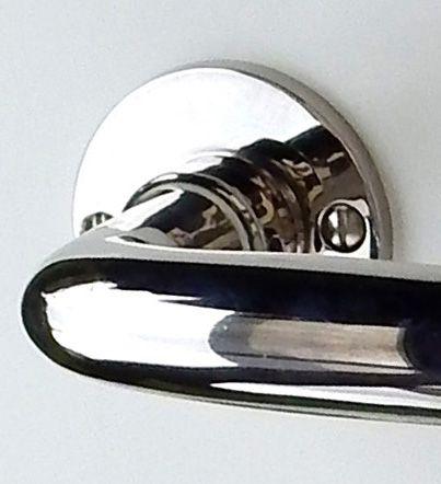 Drückerrosette Mod.Frankfurt 49 mm vernickelt 18 mm Loch